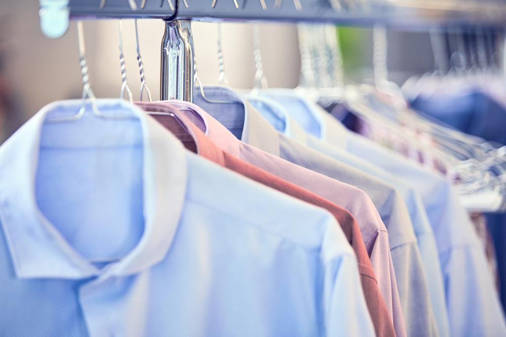 Hemden in einer Wäscherei